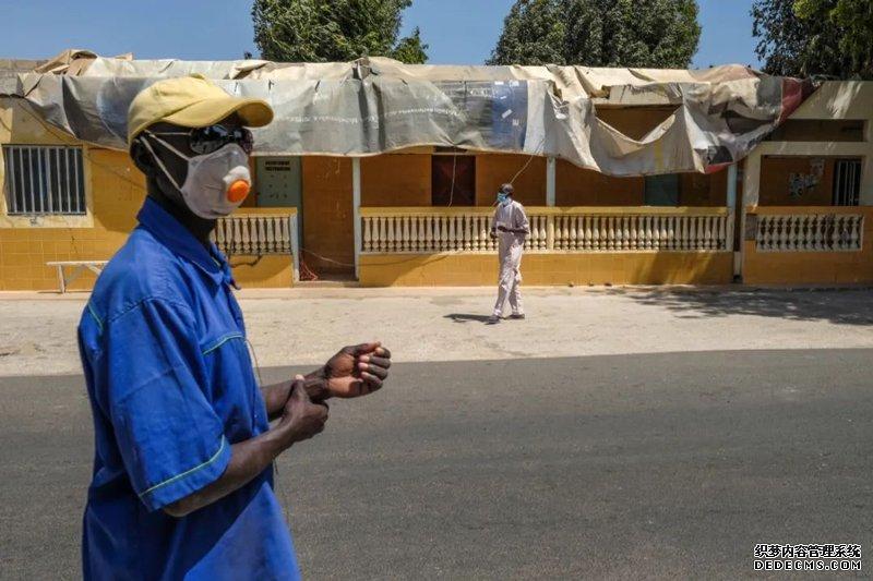 Help 变态页传奇世界页游游 fight the pandemic